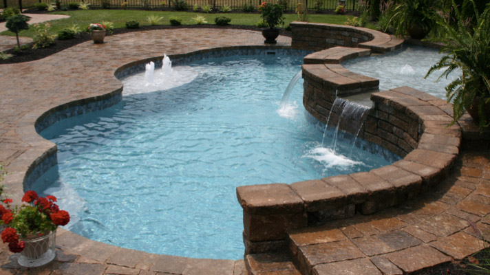 Fiberglass-Swimming-Pool-Options